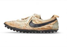 Nike-ის სპორტული ფეხსაცმელი აუქციონზე 437 ათას 500 დოლარად გაიყიდა