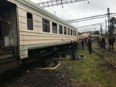 """""""საქართველოს რკინიგზა"""" - ქუთაისი-ბათუმის სამგზავრო მატარებელი ლიანდაგს ასცდა, მგზავრები არ დაშავებულან"""