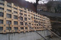 ჩუღურეთის რაიონში საყრდენი კედლების მშენებლობა მიმდინარეობს