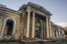 მიტოვებული შენობები აფხაზეთში (ფოტოები)