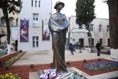 თბილისში ნატო ვაჩნაძის ძეგლი გაიხსნა