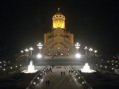 12 დეკემბერს დიდი ლოცვა ჩატარდება, პარასკევს ღამით კი სამება ღია იქნება - რას აღნიშნავენ მორწმუნეები