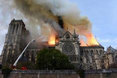პარიზში მყოფი საქართველოს მოქალაქის ინფორმაციით, მეხანძრეები ცეცხლის კერასთან ახლოს მისვლას ვერ ახერხებენ