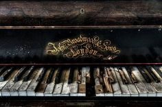 დიდ ბრიტანეთში ძველ პიანინოში განძი აღმოაჩინეს